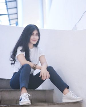 I like simplicity. There is beauty in it. Simplicity is the ultimate sophistication.👌 Actually...this pic describes my self much.  Beauty in feminine & masculine. I'm so girly outside, and full of softness, but masculine inside.😎 My personality fits with my shoes! I love this sneakers by @redwineshoes 😍😍 Jadi sneaker ini pilihan gue di grand opening @redwineshoes Cibinong City Mall with @clozetteid Sabtu kmaren 😍😍😍 Sepatu ini ga terlalu boyish, ada ornamen bunganya, loh. Warnanya pun cewek, soft silver.  Simple tapi keren!👍 Thank you 😘😘 Buruan yang deket Cibinong city mall ke sana, deh, banyak pilihan, banyak diskon! #redwineshoes #clozetteid #clozetteidreview #RedWinexClozetteIDReview #shoes #beautiful #ootd #redandblack #ootd #sotd #minidress #blackdress #redshoes #photooftheday #pictureoftheday #launching #gramdlaunching #clozetteambassador #ootd #sotd #whitetshirt #bluewhite #streetstyle #shoesoftheday #sneaker #sneakers
