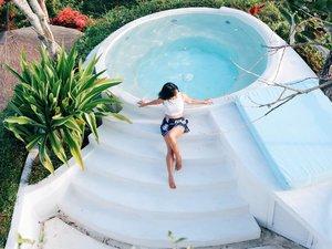 """Kok lama di Bali?"" Yaa...gimana mau move on dari Bali? 😜 . #canggu #Bali #swimmingpool #pool #hotel #relax #chill #alternativebeach #travel #traveling #trip #photooftheday #pictureoftheday #clozetteid"