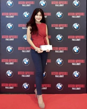 THE BEST MI! From last night ❤️ BMW 🚗❤️ Exclusive Movie Premier #MissionImpossible #Fallout  Yess with that stunning #BMWM5 🚗 @bmw @bmw_indonesia ❤️ . Imho, this latest franchise of MI is the best entry! Giving you excitement, sensational stunt work, and cinematography. Yet has the best script from all series.👍👍 The twists...oh my Goodness! Actually I'm not a fan of this franchise, but this one is dope! Stunning! Most satisfying MI!❤️ Biasanya nonton MI, tuh, diakhiri dengan kesimpulan: terlalu ngayal. You know..always depends on silly mask. 😅 Tapii ini, karena skripnya baguuss..banyak twist di sana sini, jadi melupakan scene yang ngayal.  So #IAcceptThisMission ! 💪💪 . Soal Tom Cruise...giiila this ageless man seems younger than Superman there! 😂😂😂(Not to mention the aging wrinkles, yet baby face. Uhm) . #BMW #Tomcruise #ethanhunt #car #otomotif #exclusivepremier #film #automotive #movie #BMWM5 #luxury #luxurylife #launching #henrycavill #lifestyle #prestige #clozetteid #photooftheday #pictureoftheday
