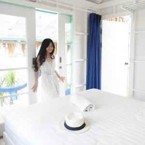 I love my room 😍 Blue & white! My favorite colours! 😍😍 a chic yet cosy place 😍 #beautiful #gilitrawangan #beach #chic #cozy #bedroom  #Lombok #lombokituindah #Indonesia #wonderfulIndonesia #holiday #trip #travel #traveler #whitedress #white #blue #clozetteambassador #clozetteid @clozetteid
