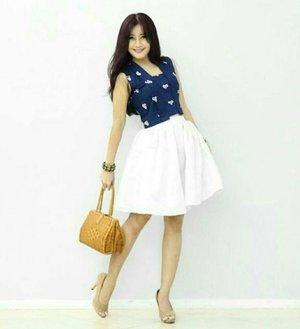 Fashion is what you buy. Style is what you do with it 😉👗🎽👠👜#ootd #blue #kutubaru #jumputan #white #satin #skirt #rattanbag #heels #shoes #ootdshare #girl#ootdindo #ootdmagazine #door #fashion #style #fashionista #fashiondiaries #lookbookIndonesia #lifestyle #clozetteambassador#clozetteID @clozetteid
