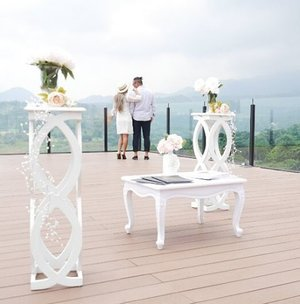 They have built, deep in their heart..a chapel filled with them.💑💕💕 Perfect venue is one of the best way to complete perfect moment to say 'I do'. Hey, you know what, I wanna build my lovely outdoor chapel with sweeping vista and fresh mountain air like this to share my private moments with my most treasured guests, here at Zen Deck @royaltulipgg ....please😍😍 #outdoorchapel #chapel #zendeck #royaltulipgununggeulis #bogor #royaltulipgg #love #couple #moment #perfectmoment #lovelymoment #photoshoot #nature #naturelovers #mountain #travelblogger #lifestyle #Resort #hotel #hairaproduction #bestmoment #photooftheday #pictureoftheday #clozetteid #clozetteambassador