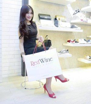 Yayy! Got 2 pairs of new beautiful shoes from @redwineshoes Cibinong city mall  grand opening with @clozetteid 😍😍😍 Thank you 😘😘 Buruan yang deket Cibinong city mall ke sana deh, lagi diskon gede-gedean shoes and bags! Tadi aja rebutan 😅😅 fiuhh 😥 Dijamin koleksinya cantik-cantik. I got 2 pairs..heels and sneakers👠👟😍😍 Gimana cantiknya...nanati pasti diposting 😉 #redwineshoes #clozetteid #clozetteidreview #RedWinexClozetteIDReview #shoes #beautiful #ootd #redandblack #ootd #sotd #minidress #blackdress #redshoes #photooftheday #pictureoftheday #launching #gramdlaunching #clozetteambassador
