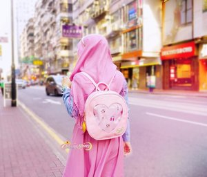 """""""Ah, girls have some invincible weapons  They are a gentle gaze to embrace weakness  And strength to accept everyone"""" — Moon Pride, Sailor Moon Crystal.  #SheemaSherrySailorMoon #ItaBag 🎒🌙💖"""