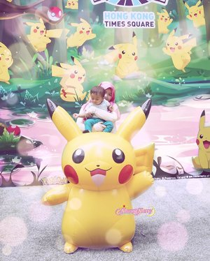 Throwback to when we were doing some Pokemon Hunting! (?) hehe. #ArchieZayden was 10 months old in here :) #MoonFamily🌙..#Pokemon#Pikachu#Squirtle#timessquare#gottacatchemall #nintendo#pokemongo