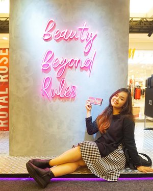 Seru banget hari ini main ke Pop Up Booth nya @makeoverid �Produknya lengkap, banyak banget tester yang bisa dicoba, dan pastinya banyak diskon! Pop Up Booth ini ada di @pondokindahmall.pim 1 didepan Metro, dari tgl 25 Nov s.d 1 Des 2019. Buruan deh dateng, nyesel banget kalo gak belanja disini sih �.. #MakeOverPopsUp #BBIxMAKEOVER@makeoverid @beautybloggerindonesia#clozetteid