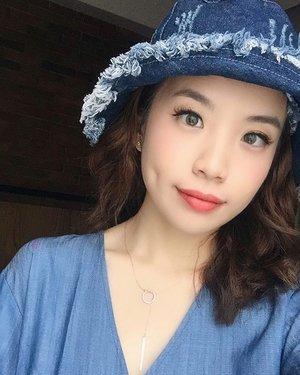Merry Christmas 🎄🎁 // softlense by @kawaigankyu i-dol Asian Grey ❤️❤️❤️ it looks super natural on my eyes ! . . . . . . #steviewears #shotbystevie #clozetteid #selfie #makeup #wakeupandmakeup #beauty