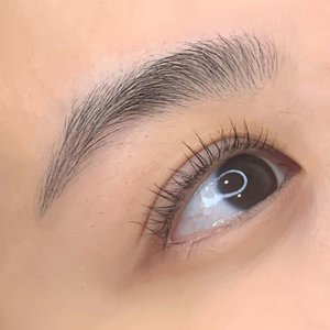 My very first #YUMI Keratin Lash Lift treatment this year by @lutgardislashlab.id ! The result is so satisfying 🥰❤️ can't wait to be back for my next session... ....#lashlift #yumilashes #yumilashlift #style #shotoniphone #beauty #whatiwore #collabwithstevie #clozetteid #explore #love