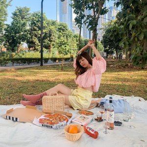 🧺❤️ today is so blazing hot 🙈 // when all this end I wish we can have more places to set up picnics and enjoy the presence of nature in town (a peaceful one with no fussy interruptions 🤨) . . . - Wrapped in @label8store latest collection! This collection screams my name since they have a lot of pastels 💓 . . . . #exploretocreate #picnic #pastel #love #clozetteid #steviewears #style #fashion #pizza #whatiwore #happy #localbrand #ootd #berries #flatlay
