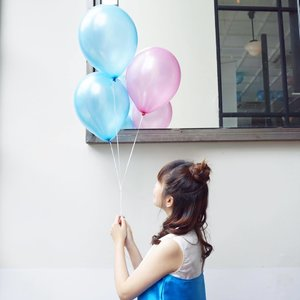 Attending @skinaquaid event with @clozetteid, loving the pastel decors. No, its not my birthday but I can't say no to balloons 🎈 . . - shot by @marisaadepari 😘 . . #clozetteid #clozetteidxskinaqua  #skinaqua #styleblogger #indofashionpeople #vscocam #fashionblogger #beauty #beautyblogger #fashionpeople #fblogger #blogger #패션모� #블로거 #스트리트스타� #스트리트패션 #스트릿패션 #스트릿룩 #스트릿스타� #패션블로거 #style #ggrep #cgstreetstyle  #teenvogue