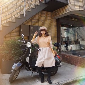 Somewhere around my favorite neighborhood in 🇯🇵 - Omotesando , spotted a cute corner and a retro motorcycle and thought why not pose and here it is 😉 . . . . . #style #ootd #whatiwore #steviewears #exploretocreate #tokyo
