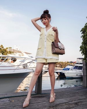 Sail away 🛥  . . - #steviewears #deets .  💛 Tweed vest and shorts @pomelofashion . 💛 Bag @guess #guessindonesia . 💛 Heels @ncyshoes . . . - Shop @pomelofashion on @zaloraid and enjoy additional 15% off with my discount code ZLRSTEVIE . My ongoing #giveaway with @ncyshoes is still on, Go pick your own 🎁. . . . . . . . . . .  . . . . . #photooftheday #ootdfashion #ootd #wiwt #lookbook #ootdstyle #ootdinspiration #lookbookindonesia #fashionblogger #stylefashion #streetfashion #streetstyle #streetinspiration #style #potd #zalorastyleedit #clozetteid