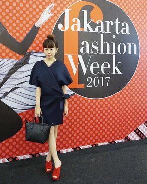 My Day 3 - #JFW2017 #ootd #jakartafashionweek // wrapped in @loveandflair ..-Have you read my latest post for @whatwelikeco ? If you haven't, click on direct like on my profile or http://bit.ly/2f4KYtE . Hint: Barbie🎀..#styleblogger #clozetteid  #indofashionpeople #hairdo #vscocam #fashionblogger #beauty #beautyblogger #fashionpeople #fblogger #blogger #패션모델 #블로거 #스트리트스타일 #스트리트패션 #스트릿패션 #스트릿룩 #스트릿스타일 #패션블로거 #style #ggrep #cgstreetstyle #l4l #teenvogue