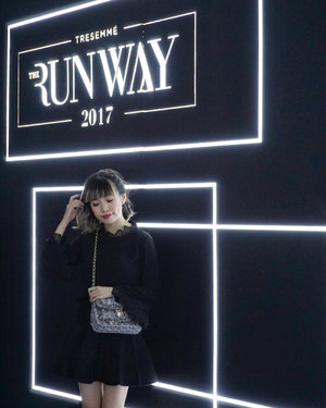 About over a week ago I got to witness the crowning of the new digital face of @tresemmeid 2018. It was a super lit event, I'm so happy to be part of this event! Thanks for having me TRESemmé ❤  #RunwayReadyHair #TREsemmeRunway #cottoninkxtresemme #tresemmesquad #runwayreadyhair