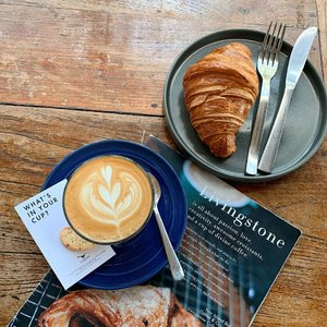 Don't forget to grab your breakfast 🥐 .....#style #flatlay #clozetteid #shotoniphone #shotbystevie #stevieculinaryjournal #yum #bali #throwback