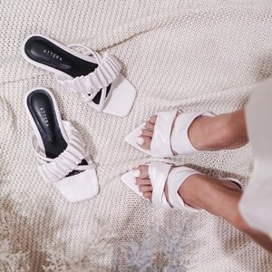 I can't resist comfy pairs of shoe wear 🤍 especially when its white ! In frame: @attera__ .....#flatlay #shoefie #style #localbrand #steviewears #whatiwore #fashion #shotbystevie #clozetteid #white #love