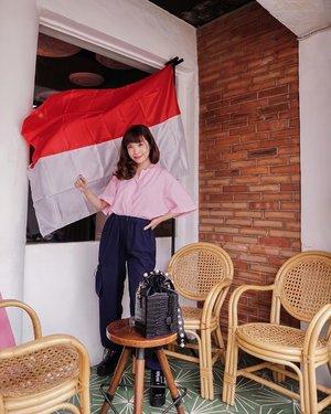 """""""Mempertahankan apa yang telah diberikan oleh para pahlawan sungguh tidaklah mudah. Merdeka bukan hanya status tanpa penjajahan. Merdeka adalah bagaimana kita berkomitmen untuk menciptakan perubahan. Selamat ulang tahun Indonesia, semoga generasi penerus bangsa bisa membawamu lebih merdeka dengan kontribusi mereka!"""" Jayalah Indonesiaku, merdeka ke-75 🇮🇩 #hutri75 ...-📸 @priscaangelina ...........#photooftheday #ootdfashion #ootd #wiwt #lookbook #ootdstyle #ootdinspiration #lookbookindonesia #fashionblogger #stylefashion #streetfashion #streetstyle #streetinspiration #style #potd #localbrand #zalorastyleedit #clozetteid #steviewears"""