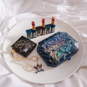 Look at the holiday collaboration of @shuuemura x ONE PIECE 🏴‍☠️ Shu always make amazing collaboration that makes me want to collect them all! One Piece fans, you wouldn't want to miss out this collection 😜....#shuuemura #ONEPIECE⁠ #love #style #exploretocreate #flatlay #shuuemuraid #beauty #makeup #shuuemuraxonepiece #japan #mangaonepiece #clozetteid #collabwithstevie #shotbystevie