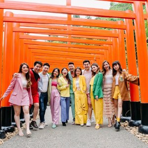 These rare gems, diverse but always managed to brighten up my day💎 let's visit the real Fushimi Inari-taisha (伏見稲荷大社) 🇯🇵 and redo this shot 😘 call? . . - Shot by @sweet.escape .  PROMO CODE 🥰⬇️⬇️⬇️ . Enjoy! Code*: STEVIE10 10% OFF and 20 Extra Photos *For 1 and 2 hours session, all destination, valid till 31 Dec 2020 . . . . . . . . .  #ootdinspiration #explore #instastyle #style #fashion #bestoftheday #dailylook #styleinspo #whatiwore #friends #ootd #lookbook #steviewears #travel  #sweetescape #love #fashionpeople #fashioninspiration #fashioninfluencer #wiwt #outfitoftheday #clozetteid #japan