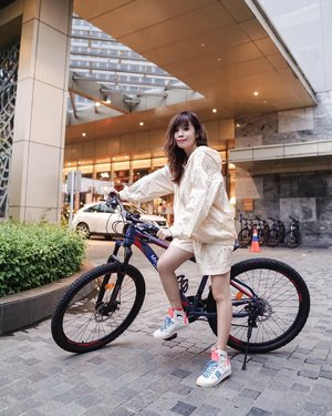 💛🚲 exploring the North with the bike facility provided by @mercurejktpik  to enjoy whenever they stay at the hotel. Take a short replenishing time away to the white beach at PIK2 🏖  . . . 📸 @priscaangelina  . . . . . . . . #photooftheday #ootdfashion #explore #wiwt #ootdmagazine #style #lookbook #ootdinspiration #love #fashionblogger #stylefashion #ootd #steviewears #collabwithstevie #streetinspiration #clozetteid #ootdindo #localbrand