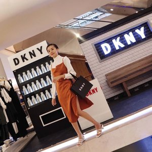 Visited @dkny 30th Anniversary Pop Up Store at @plazaindonesia #IamDKNY 😎 ....... ... #style #collabwithstevie #beauty #clozetteid #ootd #whatiwore #Atsandme #steviewears #exploretocreate #zalorastyleedit #lifeofadventure #chasinglight #wanderlust #artofvisuals