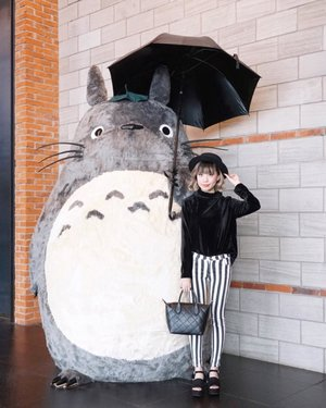 """""""Always believe in yourself. Do this and no matter where you are, you will have nothing to fear."""" . . . . . . #totoro #steviewears #lykeambassador #ggrep #ggrepstyle #cgstreetstyle #lookbook #ootd"""