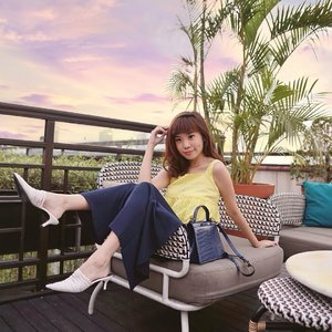 Enjoying a beautiful cityscape view 🌅 by the rooftop at @thehermitagejkt ❤️ Take me back to our short staycation there !! A short escape in town away from the bustling routines. . . . Shop my look on @zaloraid #zalorastyleedit use my code ZALORAXSTEVIE to get additional 15% off! Today they're having a special 8.8 promo sale don't miss out ❤️🤗 . . . . . . . . #style #steviewears #collabwithstevie #zalora #beauty #clozetteid #ootd #whatiwore #exploretocreate #sonyforher #lifeofadventure #chasinglight #sunset #fashionista #wanderlust #artofvisuals
