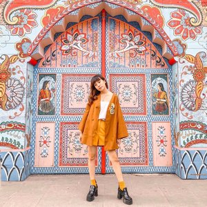 Living life full of colours 😍 just came back from a short gateway, now let's hustle again !! 🤍🧡💛..-📸 @priscaangelina ........... #style #collabwithstevie #beauty #clozetteid #ootd #whatiwore #steviewears #exploretocreate #trypomelo #zalorastyleedit #lifeofadventure #chasinglight #wanderlust #artofvisuals