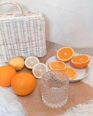 Get your daily Vitamin C booster 🍊🍋 .. ..#style #orange #exploretocreate #minimalist #minimalisthome #shotbystevie #clozetteid