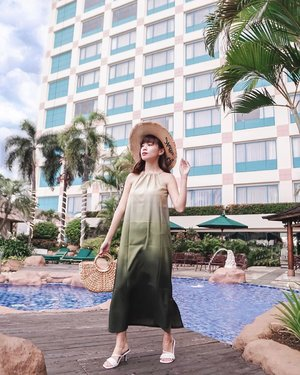 Finding the island 🌴 vibe in the middle of city ! #throwback to the days when #staycation was my favourite activity in town to have both work and leisure balanced. . . . . . . - 📸 @priscaangelina // � @hotelciputrajkt . . . . . . . .  #photooftheday #ootd #sonyforher #ootdwomen #ootdindo #wiwt #steviewears #exploretocreate #clozetteid #ootdstyle #ootdinspiration #lookbookindonesia #fashionblogger #style #whatiwore #stylefashion #streetfashion #streetstyle #streetinspiration #zalorastyleedit