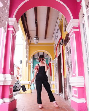 I crave for more colourful days 🌈 let the gloomy season past already 🥳 // if you're curious ask, stop making assumptions in your head😎 . . . . . . . . #sonyforher #penang #ootd #lookbook #whatiwore #style #clozetteid #fashion #explore #exploretocreate #fashionpeople #zalorastyleedit #penangmalaysia #melissagirlsclub