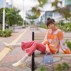 Aloha people! I'm dropping another #GIVEAWAY ❤️ This time featuring @ncyshoes.  . .  . RULES 1. MUST follow @steviiewong @ncyshoes  2. Comment What's the name of the yellow sandal I'm wearing? (Hop over to @ncyshoes for the answer)✨Tag 3 friends. Jangan lupa spam love di page aku dan @ncyshoes y🤩 3. Share your choice of shoes on your story, Pick any one you like from @ncyshoes , tag me & @ncyshoes use #StevieXNCY . Boleh share post dan ikutan lebih dari sekali ! . . GOOD LUCK LOVES! ONE winner will get to win her own pick of shoes from @ncyshoes. Giveaway open till 30 July, Winners will be announced on 31 July 2020 on this post and my story on 6 pm😉 // Indonesian 🇮🇩 residents only . . . . . #dailygiveaway #giveawayindo #indogiveaway #giveawayid #whatiwore #steviewears #exploretocreate #streetinspiration #giveawaycontest #giveaways #style #giveawayindonesia #fashion #clozetteid #collabwithstevie #style