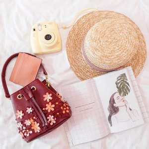The good news is nothing is ever permanent, thus enjoy every fleeting moment ❤️ .....#flatlay #floral #shotbystevie #style #fashion #clozetteid #whatiwore