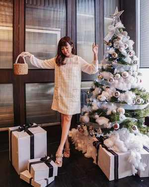 Shop my Christmas look on @zaloraid 🎄🎁 make sure to input ZLRSTEVIE before checking out to get additional 22% off + 10% cashback.  . . . - Tap for #steviewears #deets. Dress @pomelofashion . Heels @fayt.official . Bag @id_etcetera .  . . . . . . . . #ootdinspiration #ootdmagazine  #fblogger #instastyle #style #fashion #bestoftheday #localbrand #dailylook #styleinspo #whatiwore #asianblogger #ootd #lookbook #ootdasian #clozetteid #fashionblogger #fashionpeople #fashioninspiration #jktgo #fashioninfluencer #wiwt #outfitoftheday #pomelogirls #zalorastyleedit