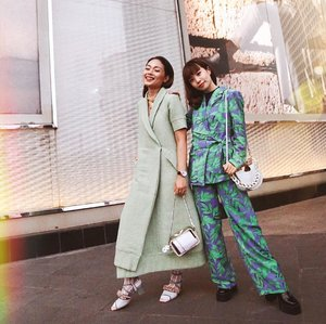 Coincidentally twinning in green with my girl crush 😍 Last Saturday supporting @ayladimitri  for her walk for #LazadaxJFW2020 #StyleSpaceElevashion - showcasing amazing different collections by 11 talented local brands 🇮🇩 always excited to see all the diverse styles and unique designs. Really enjoyed the show, all the collections are available on @lazada_id @lazstylespace #LazadaID @_withintention_ #StartwithINTENTION #TemanAyla #style #whatiwore