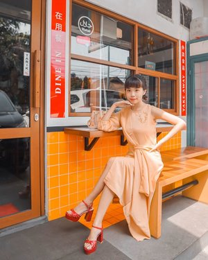 All dressed up to 拜年 this Chinese New Year, wrapped in @gaudiclothing.id lunar new year collection ❤️ . . . - 📸 @priscaangelina . . . . . . . . . .  #styleblogger #beauty #ulzzang  #cny2020 #lifestyleblogger #fashionpeople #steviewears #패션모델 #블로거 #스트리트스타일 #스트리트패션 #스트릿패션 #스트릿룩 #스트릿스타일 #bestoftoday #exploretocreate #collabwithstevie #clozetteid #gaudiootd #style #ootd #styleguide #fashiondaily
