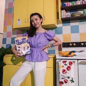 In my element ! Cute kitchen set inside @mojamuseum 🍳 . . . . . . . . . #photooftheday #ootdfashion #ootd #wiwt #lookbook #ootdstyle #braids #dimple #ootdinspiration #lookbookindonesia #fashionblogger #stylefashion #streetfashion #parisianstyle #style #potd #zalorastyleedit #clozetteid #steviewears