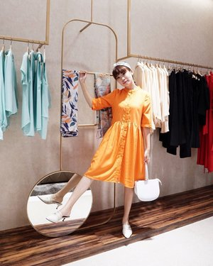We only have one Earth 🌎 thus let's be more aware and responsible for not only ourselves but also our contribution to our surroundings! Moving forward with the idea of fashion sustainability, @ease.brand launched their flagship store at @plazaindo .🧡🌿#knowwhoyouwear #style #steviewears #ootd #lookbook #whatiwore #orange