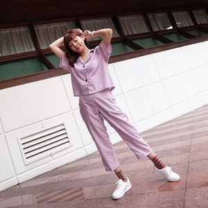 Checked in to our #staycation at @lemeridienjkt ☺️ with this comfy lilac set by @dune.id 💕 . - 📸 @priscaangelina . . . . . . #exploretocreate #style #steviewears #ootd #sonyforher #streetstyle #fashion #whatiwore #iweardune #kedsID #clozetteid