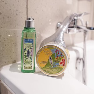 Tranquil showering session with @loccitane_id ! In their summer time special Verveine collection 🍃......#loccitane #loccitaneid #shower #shotbystevie #exploretocreate #style #beauty #skincare #metime #clozetteid #love #selfcare