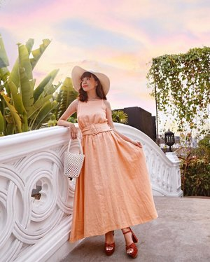 Recently I've been falling for Japanese style which is more chic, simple and minimalist. However not losing my personal touch with this peachy maxi dress ! Really loving the colour of this dress. You guys can check out Lumine Jakarta if you're looking for a similar style like mine. Good news #LumineJakarta is celebrating #1yearwithlumine and giving away shopping vouchers worth 15 mio. Simply snap a few shots and follow @lumine.jakarta ! GOODLUCK 🍀... Lensed by @alexxrex 🦖...... #style #collabwithstevie #beauty #clozetteid #ootd #whatiwore #steviewears #fashion #japan #exploretocreate #lifeofadventure #chasinglight  #sonyforher #wanderlust