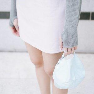 Hand details 👀 sweater from @grosir_rajut 💕 #endorse #endorsement #clozetteid #clozette . . . . . #pastels #pastelcolor #baseballcap #kfashion #패션피플 #패션모델 #얼짱 #sweater