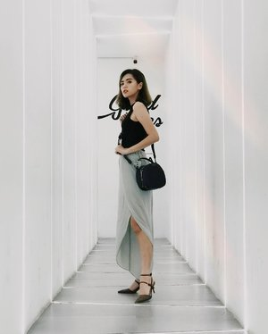 Good vibes only 💃🏼 . . . #Clozetteid #beautynesia #ootd #potd #fashion #fashionphotography #fashionblogger #styleblogger #streetstyle #style #potd #ootdindo #fashionvibes #urbanfashion #urbanoutfitters #urbanphotography #ootdstyle #ootdjakarta #endorse #endorseindo #endorseindonesia #endorsement #fashionable #fashiongirl #girls #asiangirl #likeforlike #spamlikes #love #socialenvy #socialmedia