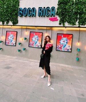 ⏳💭 . Biar berasa jadi feshong blogger 🙃 . . . #Clozetteid #beautynesia #ootd #potd #fashion #fashionphotography #fashionblogger #styleblogger #streetstyle #style #potd #ootdindo #fashionvibes #urbanfashion #urbanoutfitters #urbanphotography #ootdstyle #ootdjakarta #endorse #endorseindo #endorseindonesia #endorsement #fashionable #fashiongirl #girls #asiangirl #likeforlike #spamlikes #love #socialenvy #socialmedia