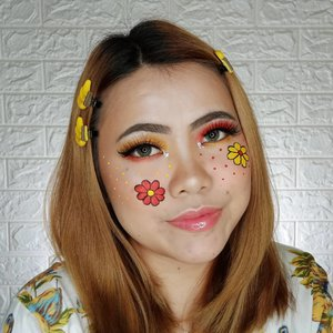 ❤️RED & YELLOW💛 . Inpired by : @brittnymakeup . Produk yang dipakai : • @smileouppa.id TheYEON Toning7 Liquid Cream • @flormarindonesia CC Cream Green • @maybelline Fit Me Matte Poreless Foundation 125 • @otwoocosmetics Concealer • @chicaychico_official Matt Pink Powder • @purbasarimakeupid Oil Control Powder Honey Beige • @blpbeauty Face Palette • @morphebrushes 35B Eyeshadow Palette • @luxart.lashes Type : Glamour LA 604 • @makeoverid Highlighter • @eminacosmetics Blush Violet Berry • @lancomeofficial Lip Gloss • @officialsnazaroo & @mehronmakeup face paint red & yellow . @tampilcantik @tips__kecantikan @zonamakeup.id @tutorialmakeup_id @ragam_cantik @selalucantik.id @meriaswajah @syantiktutorial @ragam_kecantikan @zonacantikwanita @dandan.indonesia #flovivi #ClozetteID #aestheticmakeup #beautybloggerindonesia #tutorialmakeup #makeuptutorial #makeupoftheday #motd #indobeautygram #cchannelid