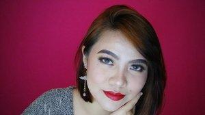 Never afraid to be bold. Tell the world who you are 💋💄 Lipstick by @socialcosmetics . . . #beautybloggerindonesia #beautilosophy #bvloggerid #makeupblogger #makeupjunkie #boldlips #makeup #setterspace #clozetteID