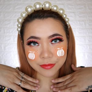PUMPKIN FILTER 🎃 HALLOWEEN CHALLENGE 20/31 🎃 #31daysofhalloween 🎃 . Gemes bgt yak kalo beneran ada filter kayak gini di Instagram hehehe 🎃🎃🎃🎃🎃 Lips : @smootoindonesia + @joylabbeauty LipGloss Softlens : @gitageo_softlens Fuzzy pop Grey Blush : @thesaemid Eyelash : @fabulashes.official Ginger . RECREATE @mcdrew . #wakeupandmakeup #halloween2019 #halloweenmakeup #halloween2k19 #halloweenmakeupchallenge #makeupoftheday #makeuphalloween #halloweenedition #motd #flovivi #clozetteID #cchannel #cchannelid