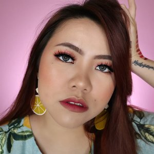 Ombre lips yg ciamikkkk... Aku pake @sadabycathysharon Lira Lip Matte Sticks (Haju + Ila) . Kalian lebih suka ombre lips atau full lips? . Btw eyes nya juga pake Lira Lipmatte Stick lohh... Tutorial nya nyusul yahh 💛 . . . . . . . . . . #makeupoftheday #tutorialmakeup #Tutorialdandan #makeuptutorial #allmodernmakeup #slave2beauty #peachyqueenblog #tutorialmakeup #indobeautygram #makeupoftheday #beautybloggerindonesia #motd #popbelabeauty #flovivi #ClozetteID #cchannelid #cchannelbeautyid #undiscoveredmuas #worldwidemua #wakeupandmakeup #tipsskincare #skincare #cchannelmakeupid @tampilcantik @tips__kecantikan @tutorialmakeup_id @ragam_cantik @meriaswajah @syantiktutorial @ragam_kecantikan @zonacantikwanita @101_turorialmakeup @makeupsyantik @inspirasi_cantikmu @wowsyantik @elpeach_beauty @eliberry_beauty