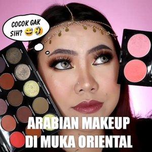 Nah loh 🤣 Kira kira cocok ga sih? Kok gue ngerasa aneh wkwkw . Produk yg dipake di video : • Foundation @mineralbotanica Dura Wear N15 • Blush & Highlighter @sadabycathysharon • Eyeshadow Palette @morphebrushes 15T • Lip @byscosmetics_id HydraGloss Lipstick HG04 • Glitter WITH ME from @hicharis_official • Eyeliner @barrymcosmetics_id . 🎥Camera Canon EOS M100 🎛️Edit with @vivavideoapp Pro ________ #clozetteid #flovivi #motd #beautybloggerindonesia #tampilcantik #tipscantik #cchannelid #makeuptutorial #tutorialmakeup #makeuparab #arabianmakeup #arabian #beautybloggerindonesia #hudabeauty