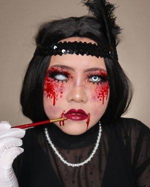 🧟♀️UNDEAD FLAPPER💃🏻HALLOWEEN CHALLENGE DAY 22/31🎃 #31daysofhalloween 🎃🖤 #HALLOWEENWITHFLOVIVI 🖤.PRODUK :• Cushion @erha.dermatology• Lip @sadabycathysharon NAHRA• Eyebrows @guele.id• Two Way Cake @luxcrime_id Buttercream• Highlighter @luxcrime_id Milky Way• .Inspo : @jordanhanz#halloween #halloween2020 #flovivi #clozetteID #cchannel #cchannelid